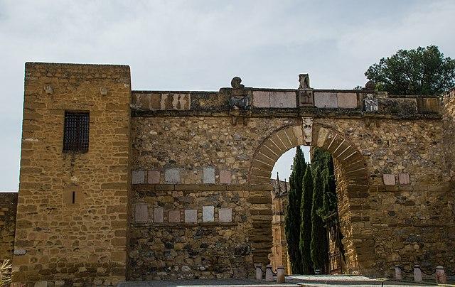 Arco de los Gigantes, Antequera