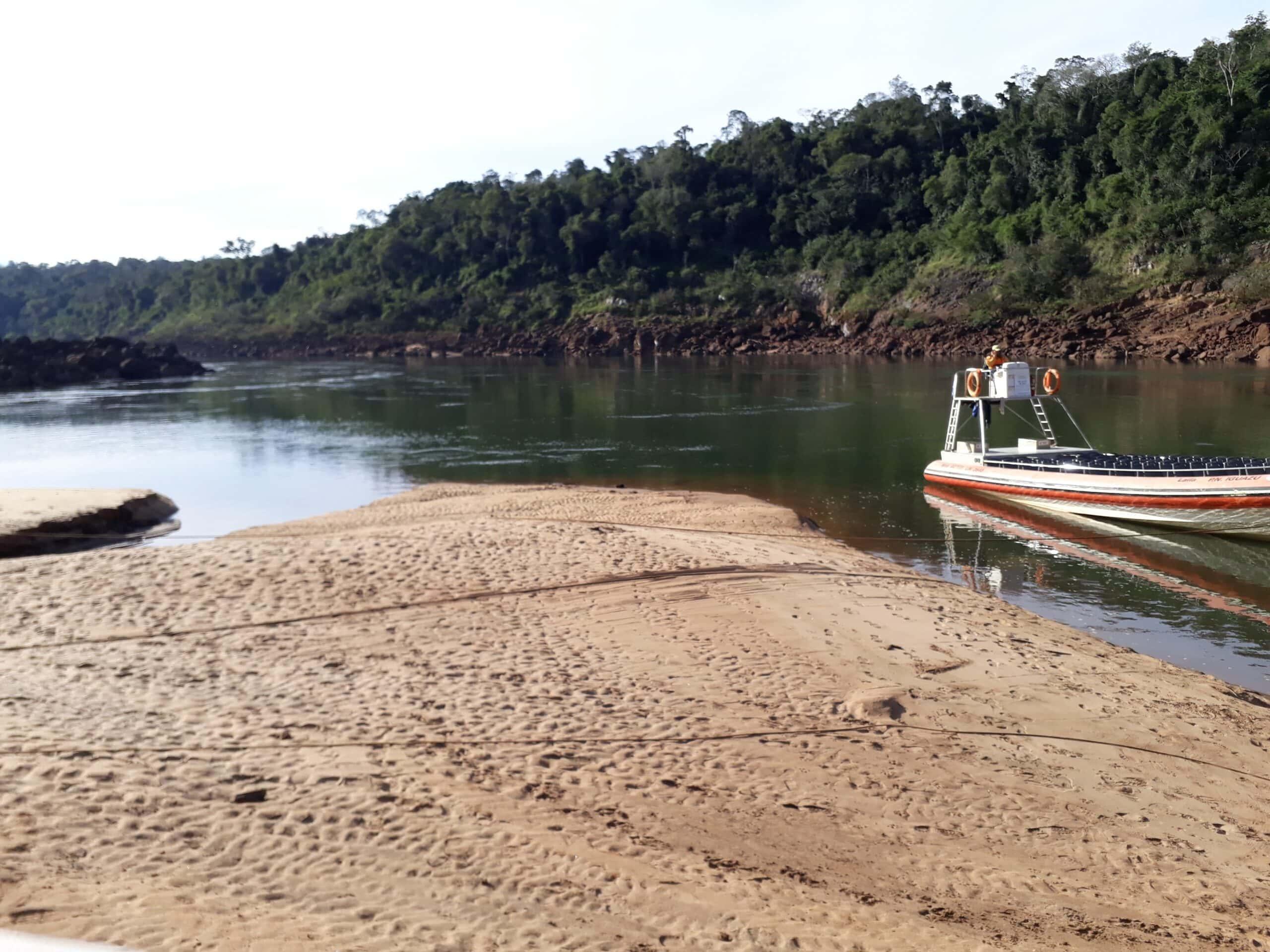 Paseo en lancha por las Catartas del Iguazú