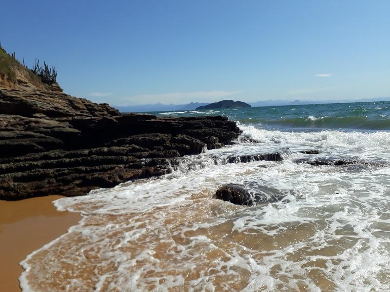 Zona de acantilados en la Praia da Tartaruga