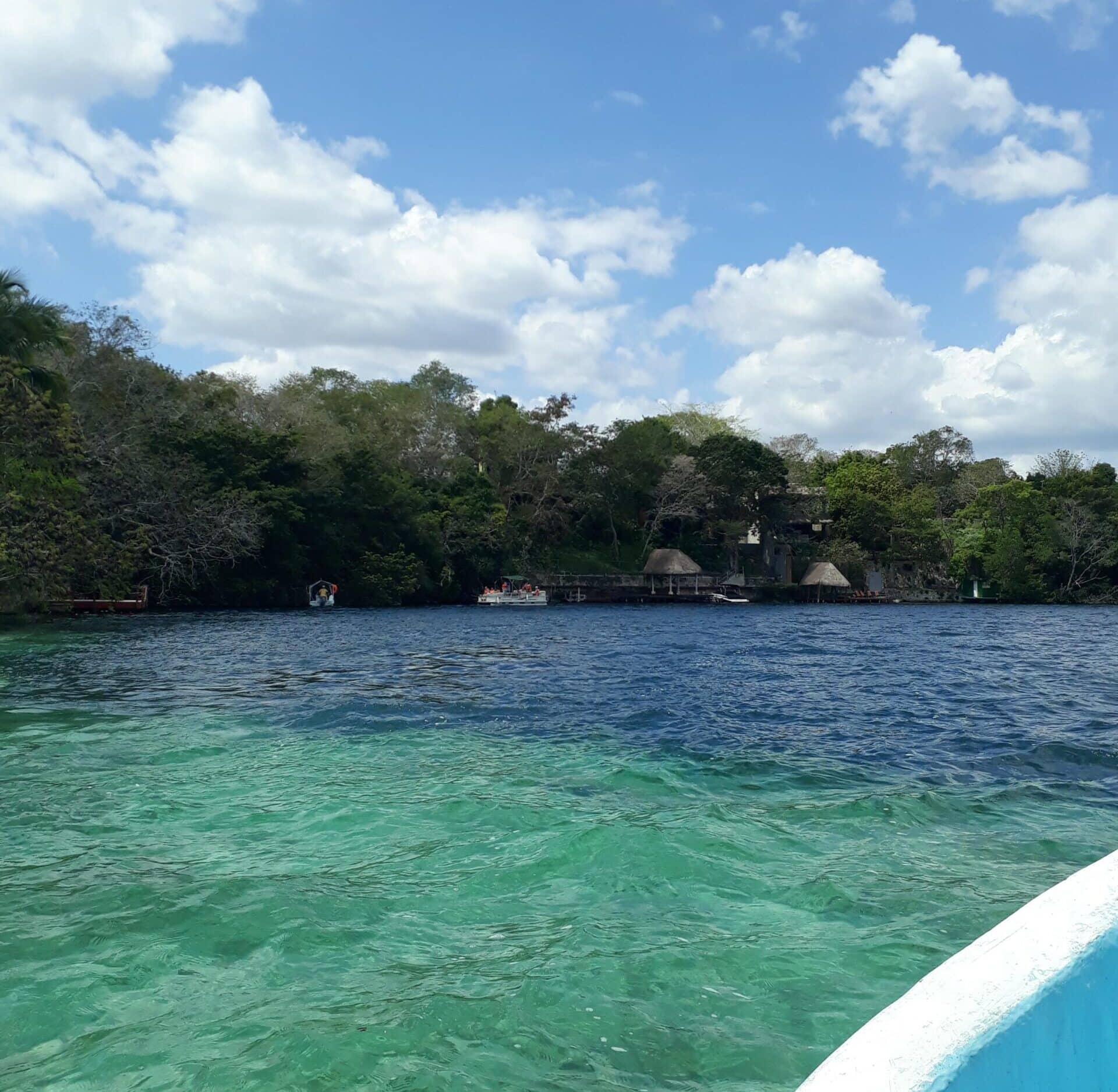 Cenote de la Bruja, Bacalar