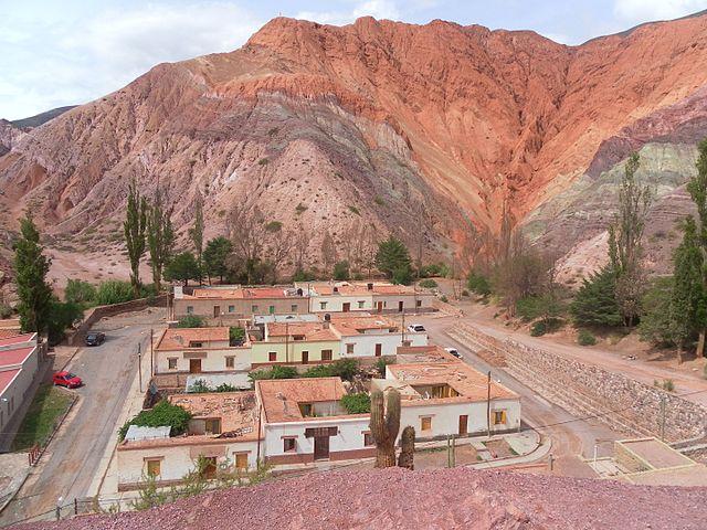 El pueblo visto desde el cerro de los 7 colores