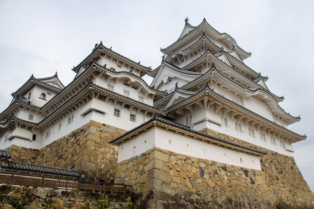Castillo de Himeji visto desde abajo