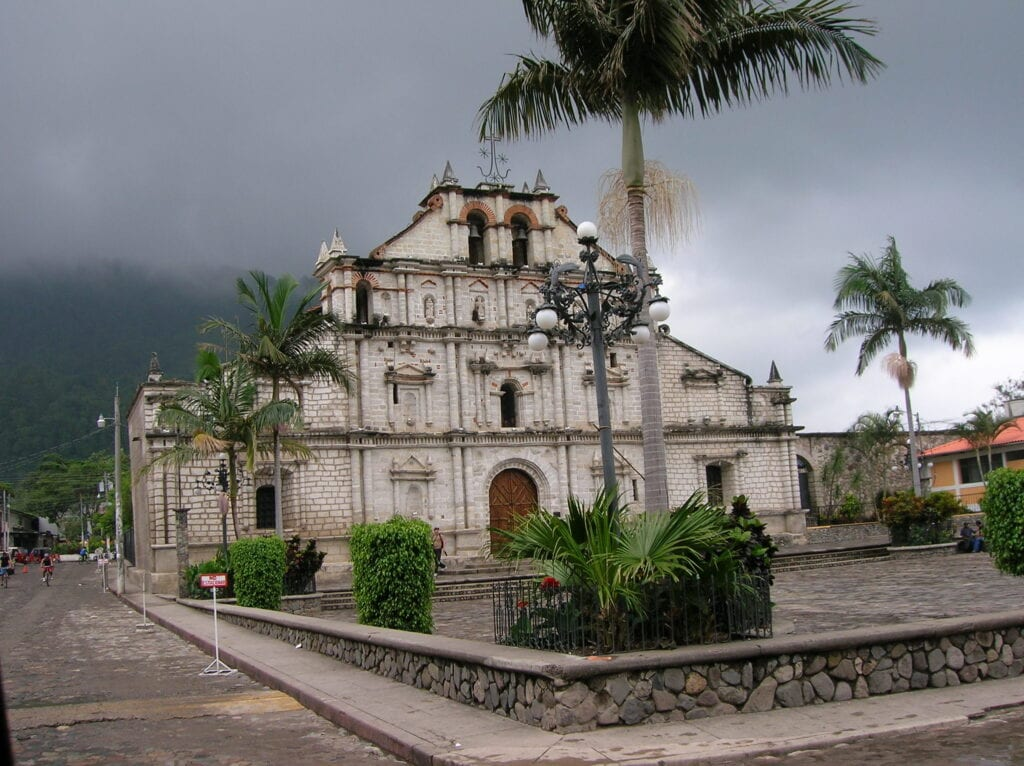 iglesia-de-panajachel