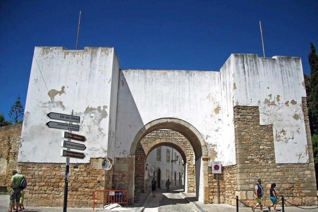 arco-de-la-ciudad-de-Faro