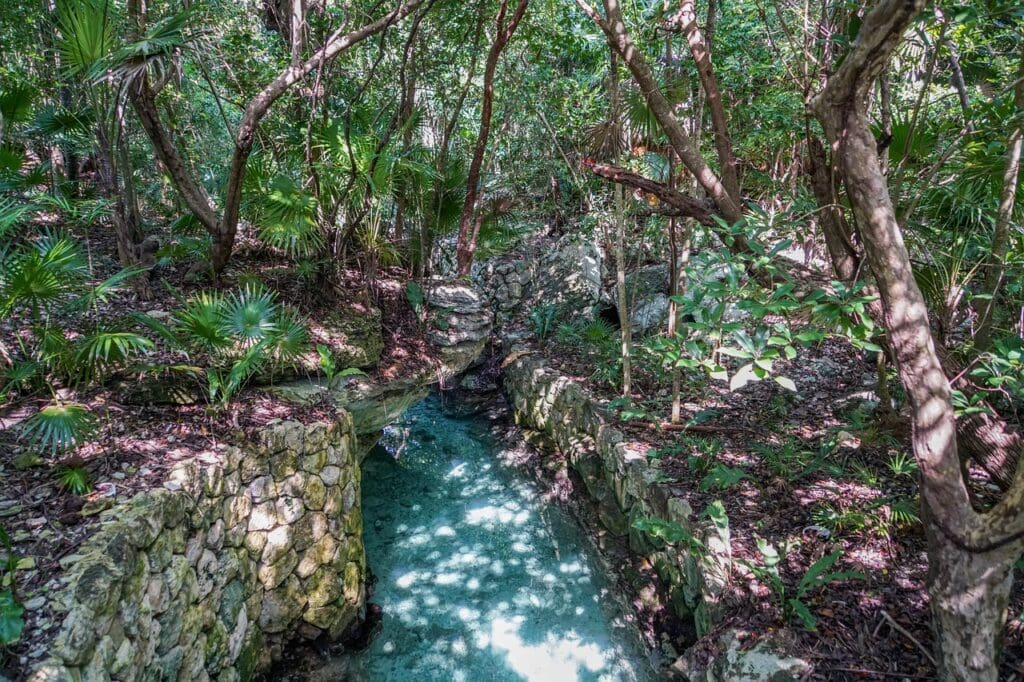 río-subterráneo-de-Xcaret