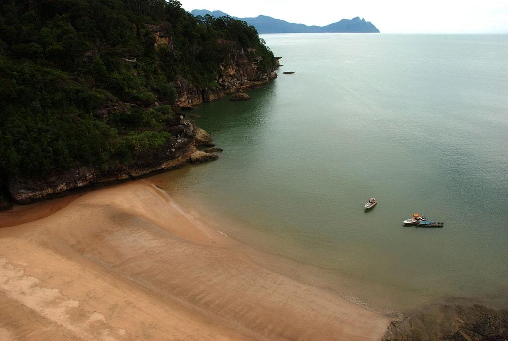 playa-del-parque-nacional-bako