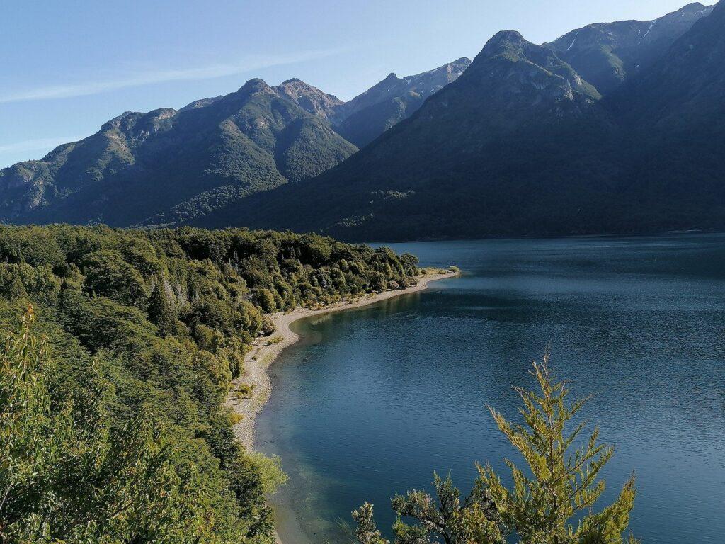lago-fatalaufquen-patagonia-argentina